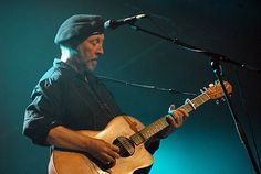 My Richard Thompson page with links to reviews (Photo by Bryan Ledgard via Wikimedia Commons)