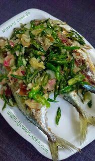 Rumah Makan DJOWO KLATEN: KEMBUNG BAKAR CABE IJO Fish Recipes, Seafood Recipes, Asian Recipes, Cooking Recipes, Ethnic Recipes, Indonesian Cuisine, Indonesian Recipes, Sambal Sauce, My Favorite Food