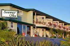 Santa Cruz Hotels * Santa Cruz Hotels near the Boardwalk * Santa Cruz Lodging * Santa Cruz Hotel * Seaway Inn #home #health #care #companies http://hotel.remmont.com/santa-cruz-hotels-santa-cruz-hotels-near-the-boardwalk-santa-cruz-lodging-santa-cruz-hotel-seaway-inn-home-health-care-companies/  #santa cruz motels # Welcome to the Seaway Inn. Absorb the beauty of the Monterey Bay from a shared balcony. Historic Santa Cruz Beach Boardwalk just a short walk away. King Room with all of the…