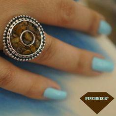 Quer começar um mês diferente? Não espere por um sorriso. Ofereça o seu primeiro! ☺☺☺ #pinchbeck #anel #boanoite #setembro