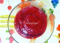 La fresa es la fruta estrella de la primavera así que no puede faltar en nuestra cocina. Esta mermelada de fresa con agar agar está para chuparse los dedos.