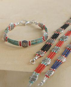 Beaded Tibetan Bracelet With Red Beads - diy - Jewelry Wire Jewelry, Jewelry Crafts, Jewelery, Jewelry Bracelets, Handmade Jewelry, Handmade Beaded Bracelets, Jewelry Findings, Fabric Bracelets, Handmade Wire