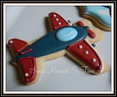 Vintage Airplane Cookies For more cookies visit www.facebook.com/sweetmomentsintime