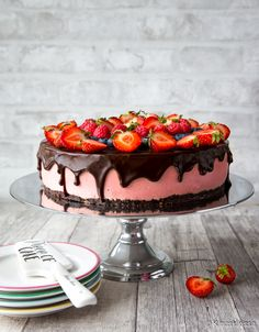 A Food, Food And Drink, Just Eat It, Valentines Food, Sweet And Salty, Dessert Recipes, Desserts, Cream Cake, Let Them Eat Cake