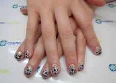 #gelish #dots #nailart #manicure #cosmospalounge