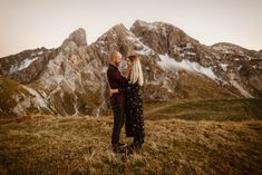 Adventure Couple Session in the Dolomites with beautiful Alpenglow. Adventure Couple, Adventure Photos, Engagement Session, Engagement Photos, Tyrol Austria, South Tyrol, Northern Italy, Couple Shoot, Photo Sessions