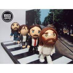 The Beatles + cenário Abbey Road