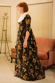 lots of good stuff on her website.not old but look it .American Duchess: Chintz Gown - The Home Stretch Historical Costume, Historical Clothing, Home Stretch, Regency Dress, Fantasy Costumes, Plaid Dress, 18th Century, Stretches, Number 12