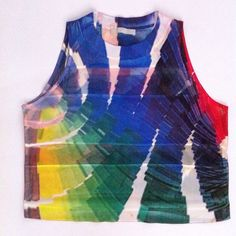 Colorful Zara W&B Collection Crop Top This super cute and colorful Zara crop is pre-owned but in good condition. Zara Tops Crop Tops