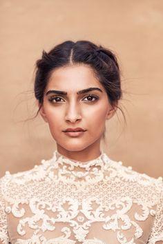 Sonam Kapoor - makeup                                                       … …