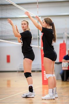 2017-12-30 WVB Club Teams | NAVC Griffins 15U | New Year's C… | Sangudo | Flickr Volleyball Photos, Female Volleyball Players, Volleyball Shirts, Women Volleyball, Volleyball Setter, Softball Pictures, Cheer Pictures, Poses, Beautiful Athletes