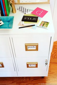 Great Filing Cabinet Makeover - Frames and scrapbook Jolee's? Diy Home Decor Bedroom, Diy Home Decor On A Budget, Furniture Makeover, Diy Furniture, Do It Yourself Furniture, Guest Room Office, Space Crafts, Kid Crafts, Cabinet Makeover