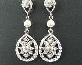 Vintage Style Rhinestone Bridal Wedding Earrings, Swarovski Crystal & Pearl Bridal Earrings, Art Deco Style Chandelier Earrings, #Jewelry www.finditforweddings.com