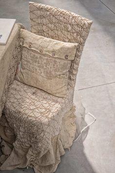 #danieladallavalle #artepura #table #homedecor #madeinitaly #linen #lace #chair #chaircover #pillow