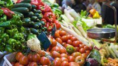 Nederlanders gooien regelmatig groenterestjes weg. Bijna 40 procent laat weten groenten weg te gooien.