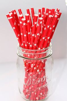 This listing is for 25 Red with White Stars Paper Straws.    They are STRONG and STURDY, will last for HOURS, and a great addition to any
