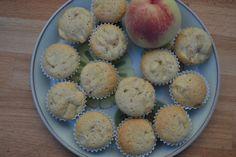 Pfirsich Muffins - Dieses Muffinrezept mit Pfirsich geht schnell, ist fruchtig-saftig und bestimmt auch ein nettes Mitbringsel.