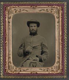 Un soldat confédéré inconnu avec un pistolet Derringer 11 (1861-1865, Library of Congress, Washington D.C.)