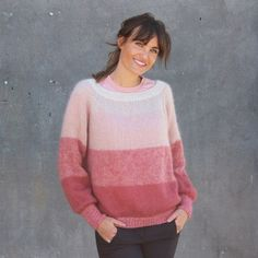 Free Knitting Pattern for a Fade Blouse Sweater. Oversized sweater pattern with ombre color blocks. Easy Scarf Knitting Patterns, Free Knitting Patterns For Women, Jumper Knitting Pattern, Sweater Patterns, Blouse Patterns, Stitch Patterns, Blouse Pattern Free, Mohair Sweater, Knit Cardigan