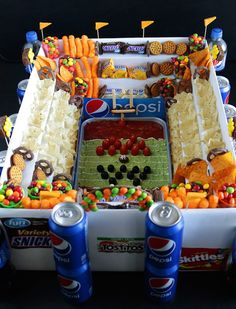 Football Party Foods, Football Food, Football Cupcakes, Cute Snacks, Game Day Snacks, Party Drinks, Party Snacks, Party Nibbles, Football Stadion