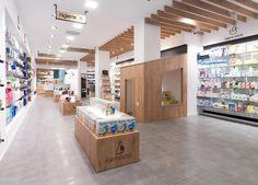 reforma-farmacias-modernas-albacete (2) Commercial, Interior Desing, Store Design, Pharmacy, Grocery Store, Furniture, Gondola, Home Decor, Vip