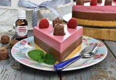 Chocolate and raspberry cheesecake (CC Eng Sub) Raspberry Cheesecake, No Cook Desserts, Cheesecakes, Macarons, Food To Make, Food And Drink, Pudding, Sweets, Snacks