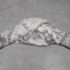 My best friend M R.k_tattoo 💥💥 - Hand Nail Design FoR Women Body Art Tattoos, Small Tattoos, Sleeve Tattoos, Ink Master Tattoos, Tattoo Style, Tattoo Set, Tattoo Hand, Dragon Hand Tattoo, Dragon Tattoos