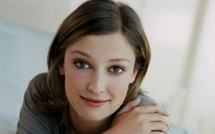 Some people, you just see their face and it makes you want to smile! Alexandra Maria Lara, German Women, My Beauty, Celebrity Pictures, Bellisima, Actors & Actresses, Eye Makeup, Beautiful Women, Celebrities
