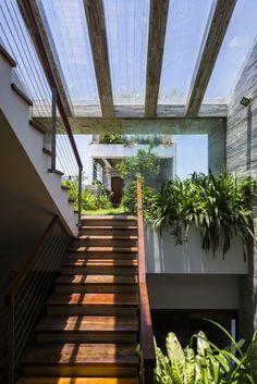 Image 8 of Photograph by Hiroyuki Oki Home Building Design, Building A House, Narrow House Designs, Landscape Stairs, Boarding House, Bright Homes, Desert Homes, Facade House, Tropical Houses