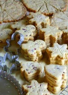 Cinnamon Cranberry Shortbread Cookies
