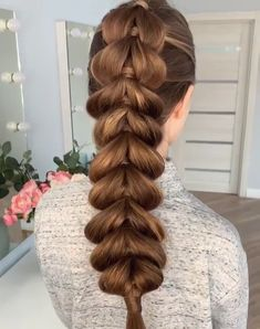 Easy Hairstyles Updo Wedding is part of Easy Wedding Hairstyles You Can Diy Bridalguide - Easy 5 Minute Braids Ideal for beginners Easy Hairstyles For Long Hair, Braided Hairstyles Tutorials, Creative Hairstyles, Trendy Hairstyles, Girl Hairstyles, Wedding Hairstyles, Heatless Hairstyles, Heatless Curls, Female Hairstyles