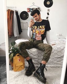 I really love the camo pants vibes. Btw you have a off with my code ' if you want to buy a tee Hipster Outfits Men, Kpop Outfits, Fashion Outfits, Festival Looks, Teenage Boy Fashion, Camo Pants, Men's Pants, Tights Outfit, Gay Outfit