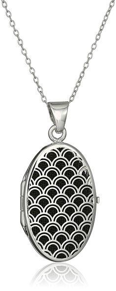 Sterling Silver Italian Oval Freeform Design Locket Necklace, 18' >>> For more information, visit image link.