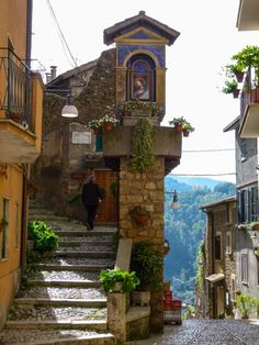 Walking the cobblestone streets of Subiaco, Italy, is a delightful boomer travel adventure. Beautiful World, Beautiful Places, Beautiful Streets, Day Trips From Rome, Beau Site, Visit Italy, Walking Tour, Places Around The World, Belle Photo