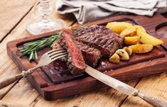 Two-Course Meal with Wine for Two or Four at Ostler Restaurant at the Borough Arms Hotel Grilling Recipes, Meat Recipes, Cooking Recipes, Copycat Recipes, Carne Asada, Cheesecake Factory Copycat, Cheescake Factory, Sirloin Tip Steak, Flank Steak