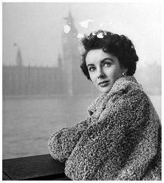 Liz Taylor, London, 1948  Photo Mark Kauffman