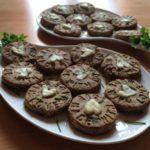 Knusprige Haferflocken-Schnittlauch-Kekse (glutenfrei, kohlenhydratreduziert, milchfrei) Fitt, Muffin, Cookies, Breakfast, Desserts, Oatmeal, Glutenfree, Food Food, Biscuits
