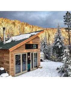 Architecture – Enjoy the Great Outdoors! Tiny Cabins, Tiny House Cabin, Tiny House Living, Tiny House Plans, Tiny House Design, Cabin Homes, Small Cabin Designs, Eco Cabin, Small Cottages