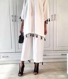 V I O U S Iranian Women Fashion, Arab Fashion, Fashion Line, Muslim Fashion, Modest Fashion, Fashion Dresses, Hijab Style Dress, Hijab Chic, Hijab Outfit