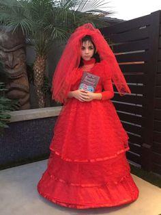 beetlejuice, lydia red wedding dress - Google Search   Thriller ...