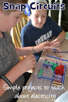 I love snap circuits! Snap Circuits, 5th Grade Science, Engineering Projects, Maker Space, Science Activities, Easy Projects, Homeschooling, School Ideas, Kids Toys