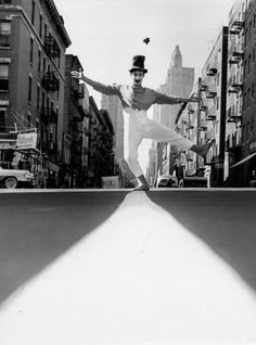 "Henri Duman Marcel Marceau, New York City 1958 ""Do not meddle in the affairs of wizards, for you are crunchy and taste good with ketchup. Marcel, Mime Marceau, Old Photos, Vintage Photos, Mime Artist, August Strindberg, Photo Deco, Rare Images, Vintage Photography"