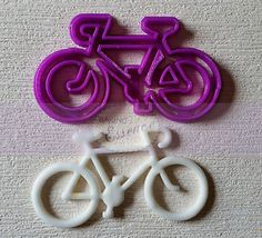 Breezy, sunny days - perfect for a bike ride! This Bicycle Cutter will bring a fun summertime feel to your cakes and cookies. cake Baker's Desire - Custom cutters made for you! Bicycle Cake, Bike Cakes, Bicycle Party, Marzipan, Fondant Cakes, Cupcake Cakes, Plastic Cutter, Sport Cakes, Fondant Animals
