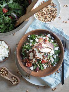 Halloumisalaatti - Tästä ei salaatti enää paljoa parane! | Inka I Halloumi, Feta, Camembert Cheese, Dairy, Drinks, Drinking, Beverages, Drink, Beverage