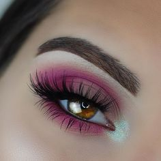 """@anastasiabeverlyhills Modern Renaissance Palette. (Buon Fresco, Venetian Red, Love Letter). """"Chocolate"""" Dip Brow. """"Darkside"""" Waterproof Gel Liner @nyxcosmetics """"Hot Fuchsia"""" and """"Hot Pink"""" Primal Colors Eyeshadow. @sugarpill """"Lumi"""" Loose Shadow @ardell_lashes Double Up 207s"""