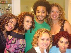 Grupo com cabelo cacheado, atraves do tratamento angel.