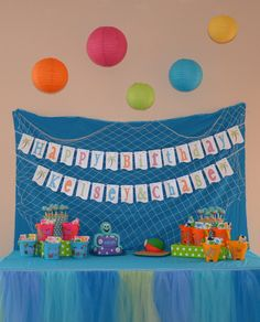 Under the sea / Aquarium party- LOVE the colors...love the netting...LOVE the tulle!....:)