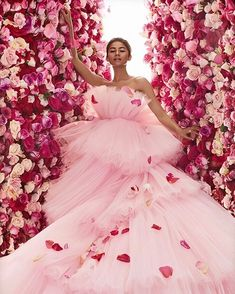 """""""zendaya could quite literally play a disney princess and be her own prince charming, tell me i'm wrong"""" Angela Simmons, Abed Mahfouz, Happy Birthday To Us, Kendall Jenner Outfits, Victoria Dress, Giambattista Valli, Prom Dresses, Wedding Dresses, Beautiful Gowns"""
