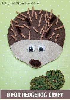 mammal crafts for kids This H for Hedgehog Craft is perfect for Letter of the week, letter H, learning about forests and forest animals, hibernation or for a fall/autumn activity. Forest Animal Crafts, Forest Crafts, Animal Crafts For Kids, Craft Projects For Kids, Crafts For Kids To Make, Forest Animals, Toddler Crafts, Art For Kids, Craft Ideas