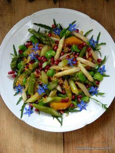 Spargelwoche: Spargel-Fêves-Salat mit Orange und Granatapfel